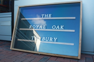 timber-frame-acrylic-pub-sign