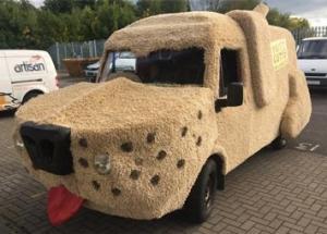 Mutt Cutts Dog Van Artisan Model makers
