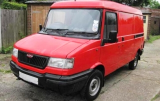 Base van LDV pilot for mutt cutts dog van artisan
